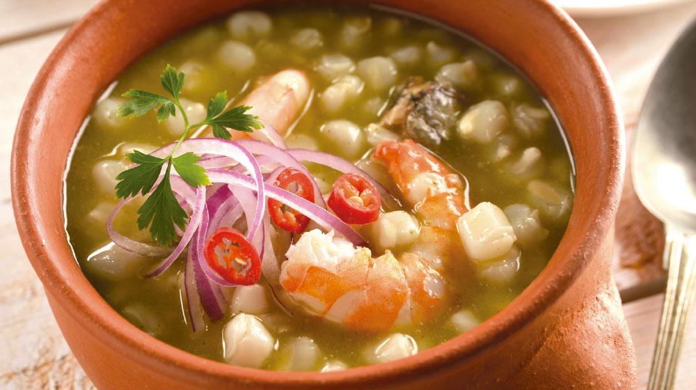 pozole verde con sardina y camarón
