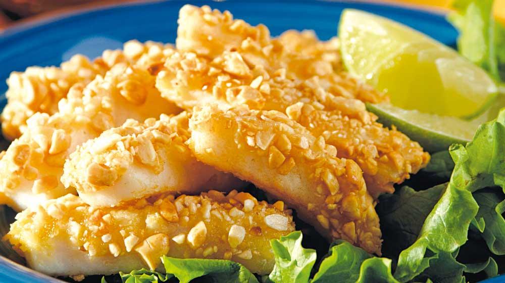 brochetas de pescado con cacahuate