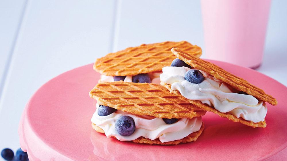 sandwich helado con moras