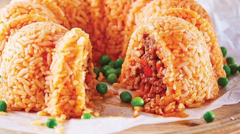 Rosca de arroz a la mexicana rellena de picadillo