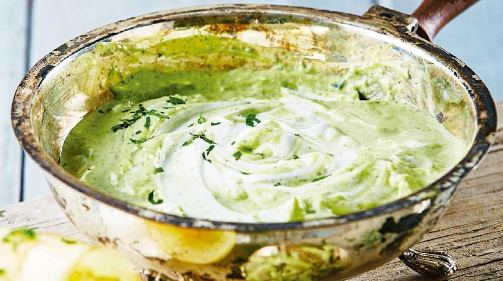 Dip de jocoque con cilantro