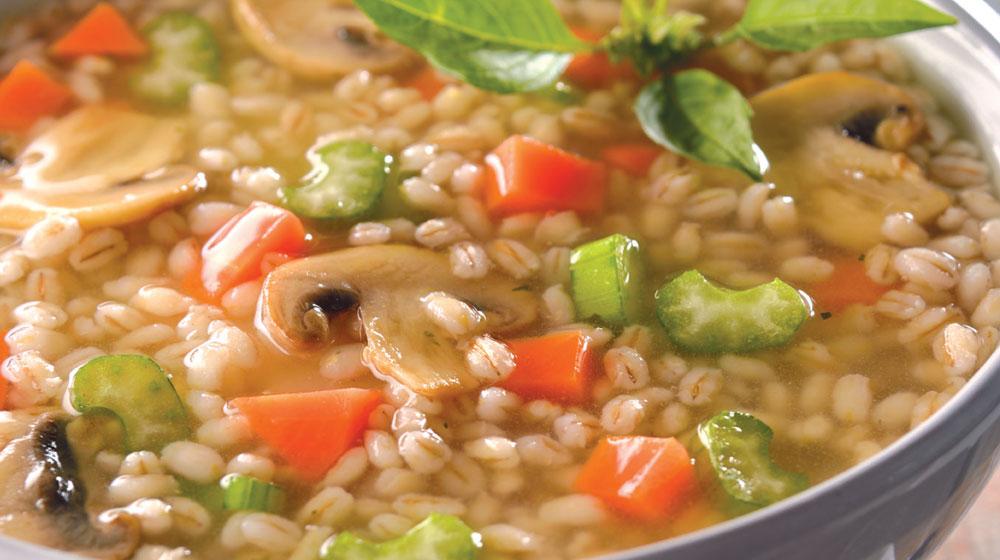 sopa de verduras con cebada