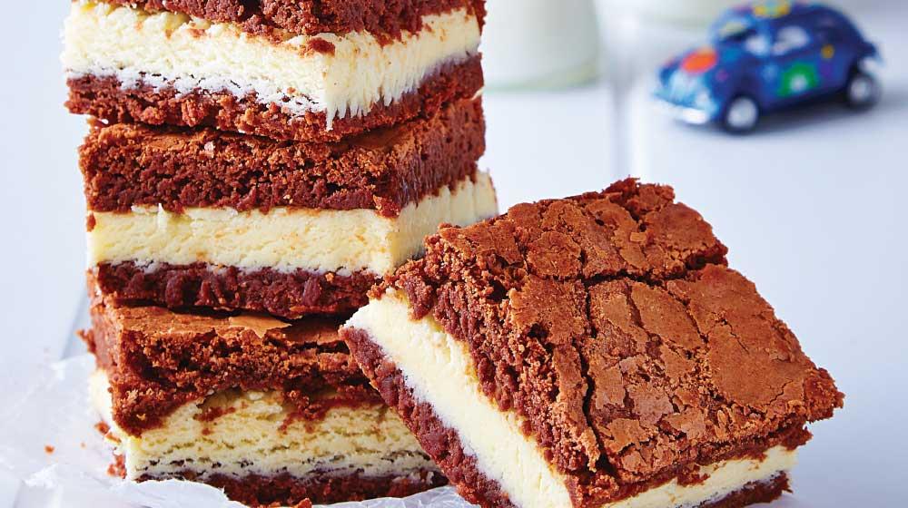 Pastel de brownie con helado