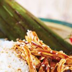 Tamales de arroz con mole