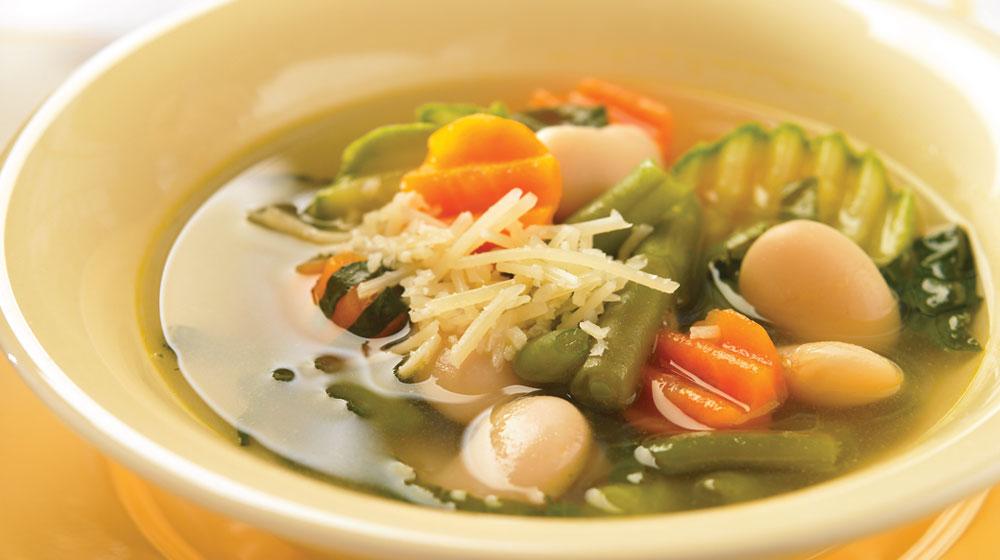 sopa de verduras con alubias