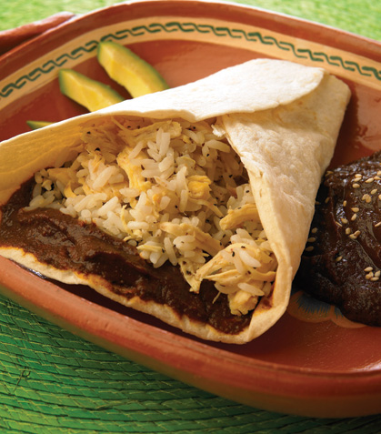 Burritos de arroz con mole