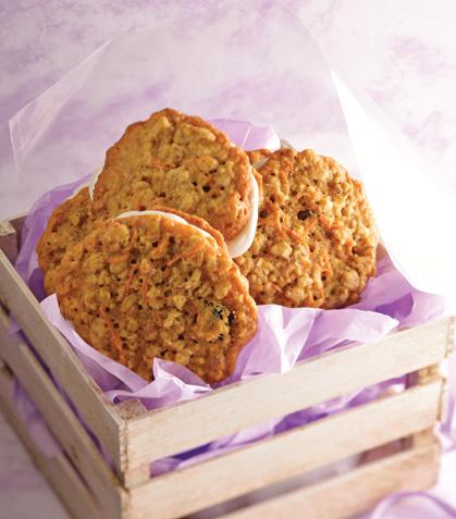 Caja con galletas de pastel de zanahoria