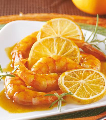 Camarones con curry sobre mandarina