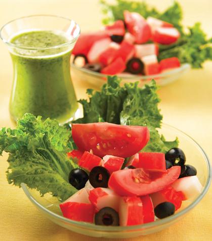 Ensalada de surimi con aderezo picante de cilantro