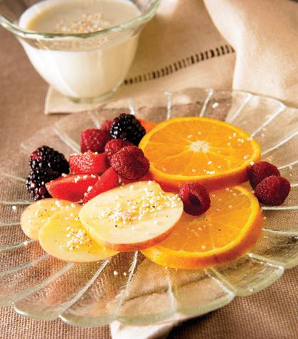 Fruta con aderezo de requesón