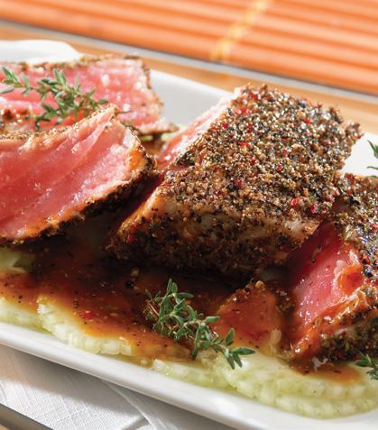 Lomos de atún marinado con pimientas