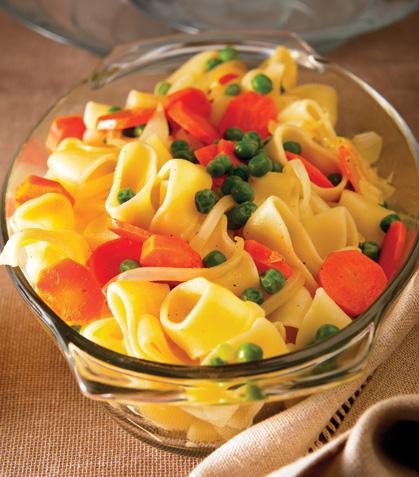Pasta con chícharos y zanahorias