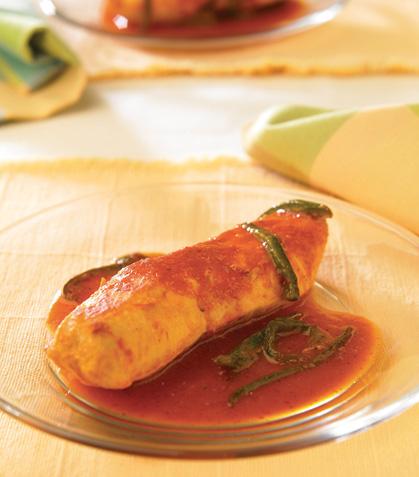 Pechugas de pollo con rajitas en salsa catarina