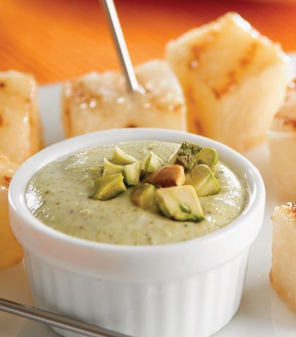 Para el mundial: Pinchos de jícama con salsa verde