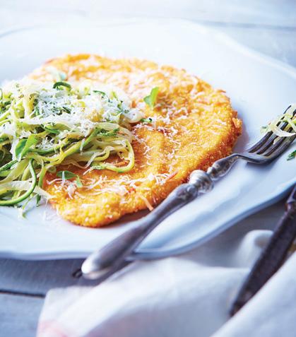 Pollo empanizado con espagueti de calabaza