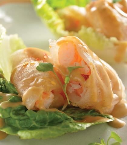 Rollos vietnamitas de camarón con salsa de cacahuate