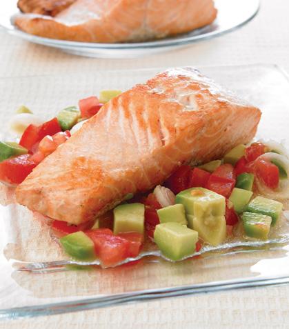 Salmón marinado con ensalada