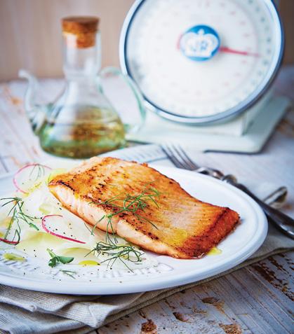Salmón a la plancha con verduras crocantes