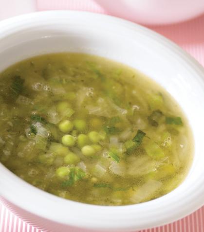 Sopa de lechuga con hierbabuena