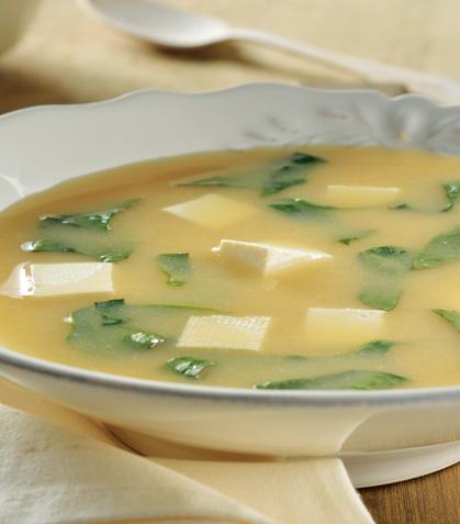 Sopa de miso con acelga