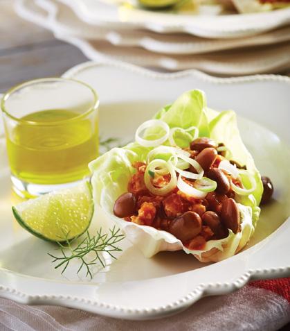Tacos de carne en hoja de lechuga