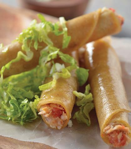 Tacos dorados de atún a la mexicana