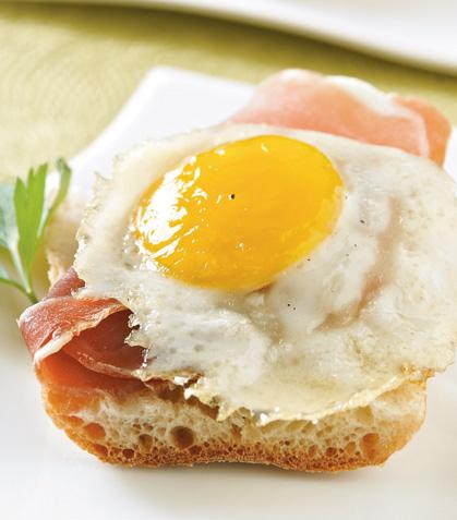 Tapitas de jamón serrano y huevo de codorniz