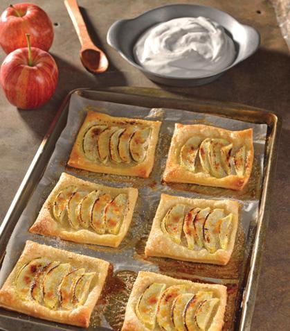 Tartas rápidas de manzana y su crema a la canela
