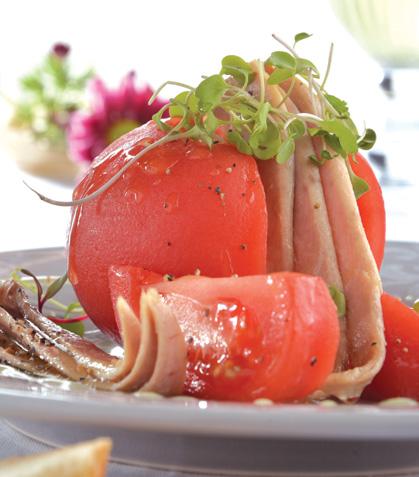 Ventresca de atún con ensalada de jitomate
