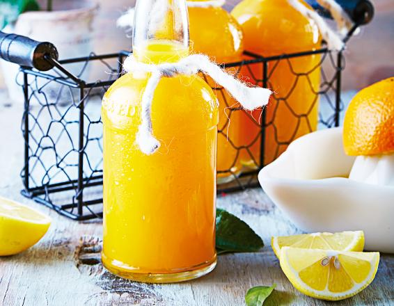 Agua de naranja con cardamomo
