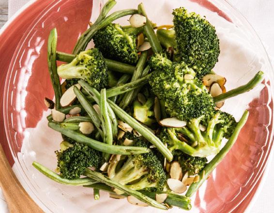 Brócoli y ejotes con almendras