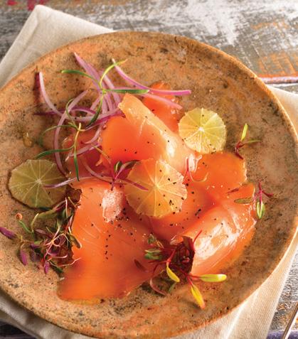 Carpaccio de salmón con aderezo de limón
