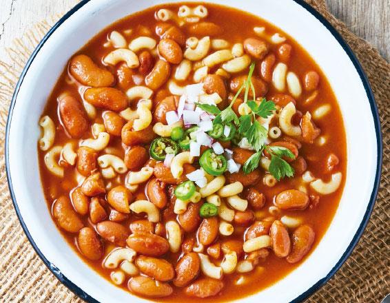 Chili con pasta