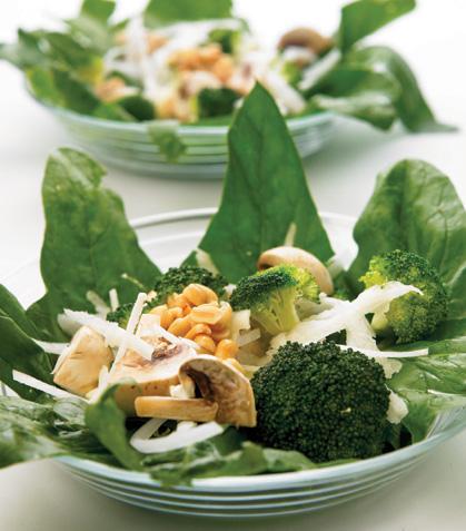 Ensalada verde con vinagreta de cacahuate