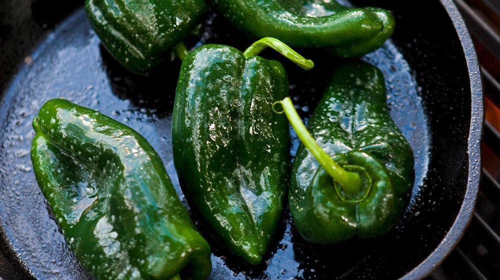 Tatemar chiles poblanos