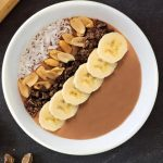 Smoothie bowl de cocoa y plátano