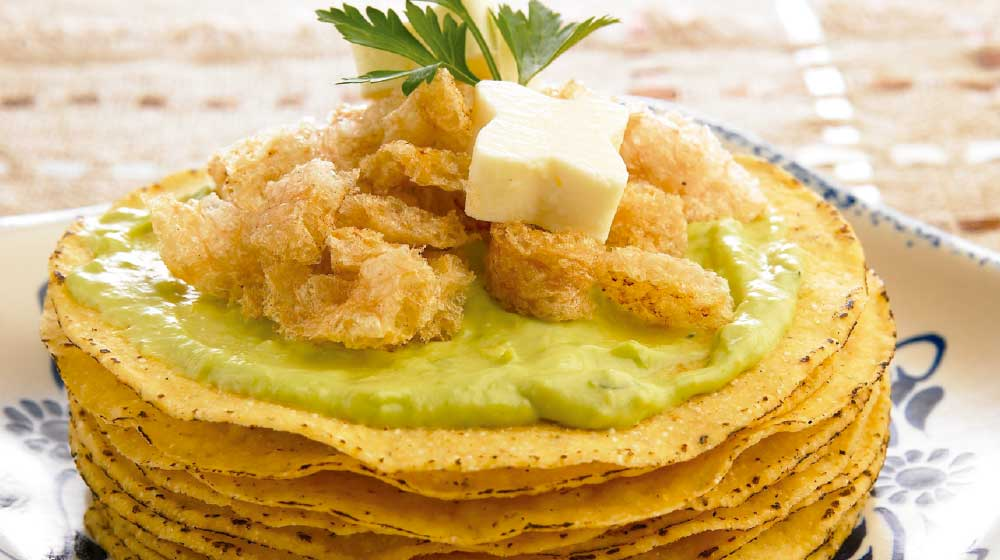 Crujientes de guacamole con chicharrón