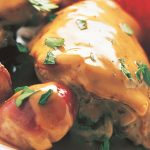 Pollo con cebollas acarameladas