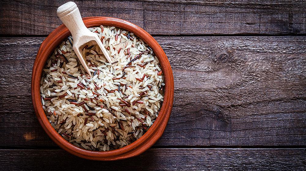 cuales son las vitaminas del arroz integral