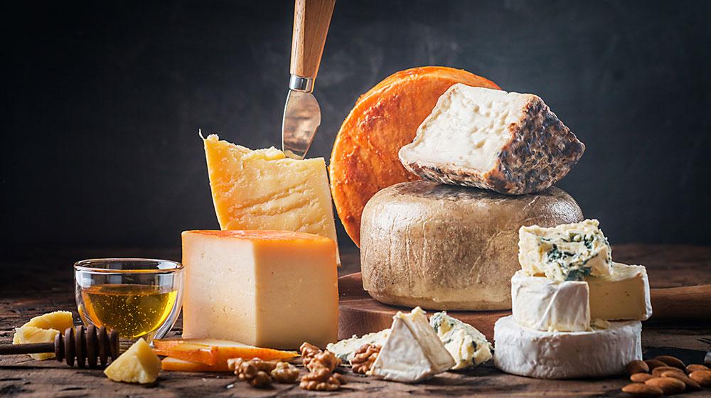 13 Beneficios del queso para disfrutarlo aún más