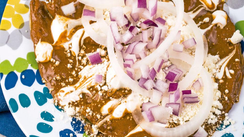 enchiladas-de-chile-guajillo