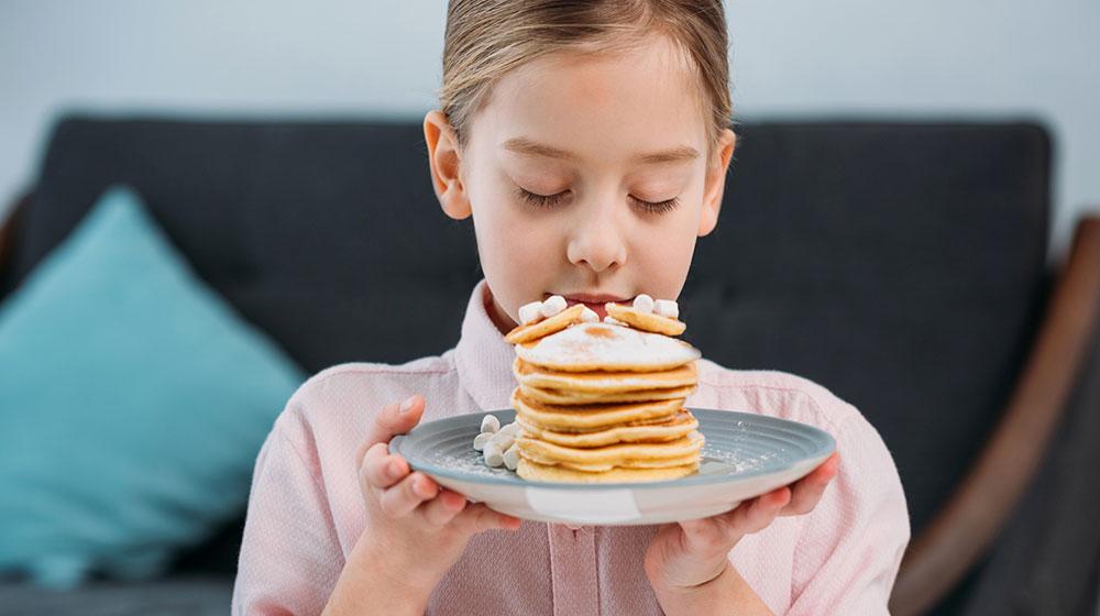 oler-la-comida-antes-de-comerl-podria-hacerte-subir-de-peso