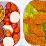 nuggets de pollo y ensalada