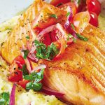 Polenta con salmón asado sin gluten