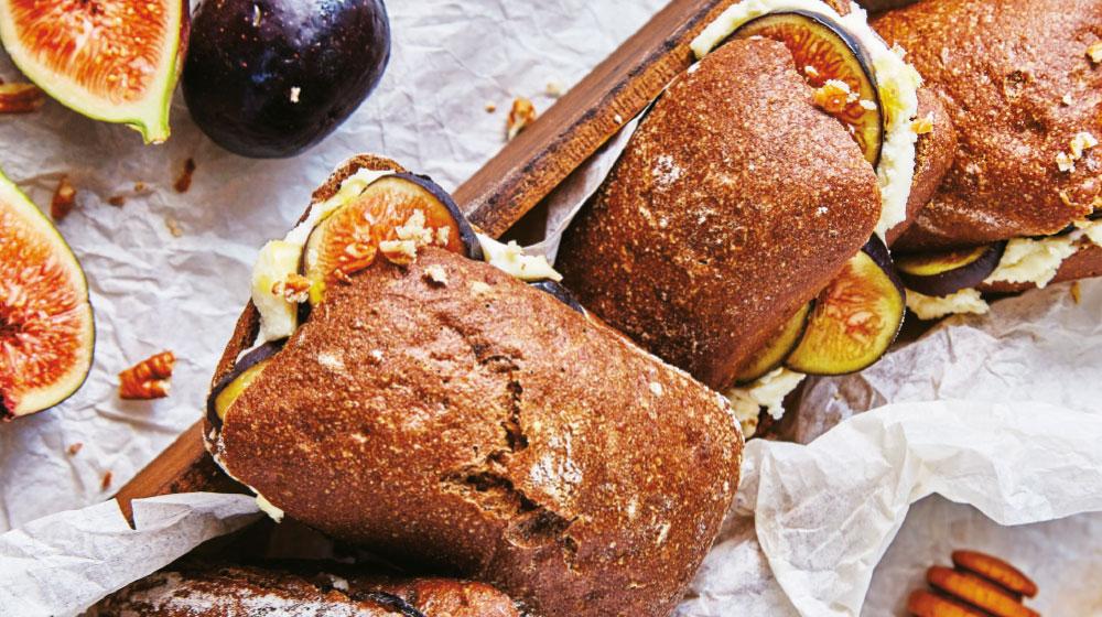Sándwich de higo con queso ricotta
