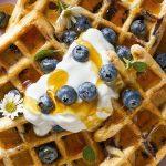 Waffles integrales con mora azul