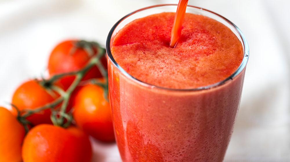 7 Beneficios de tomar jugo de jitomate
