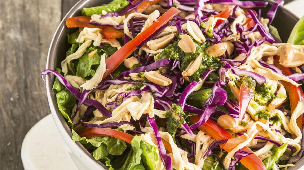 Ensalada oriental con aderezo de cilantro