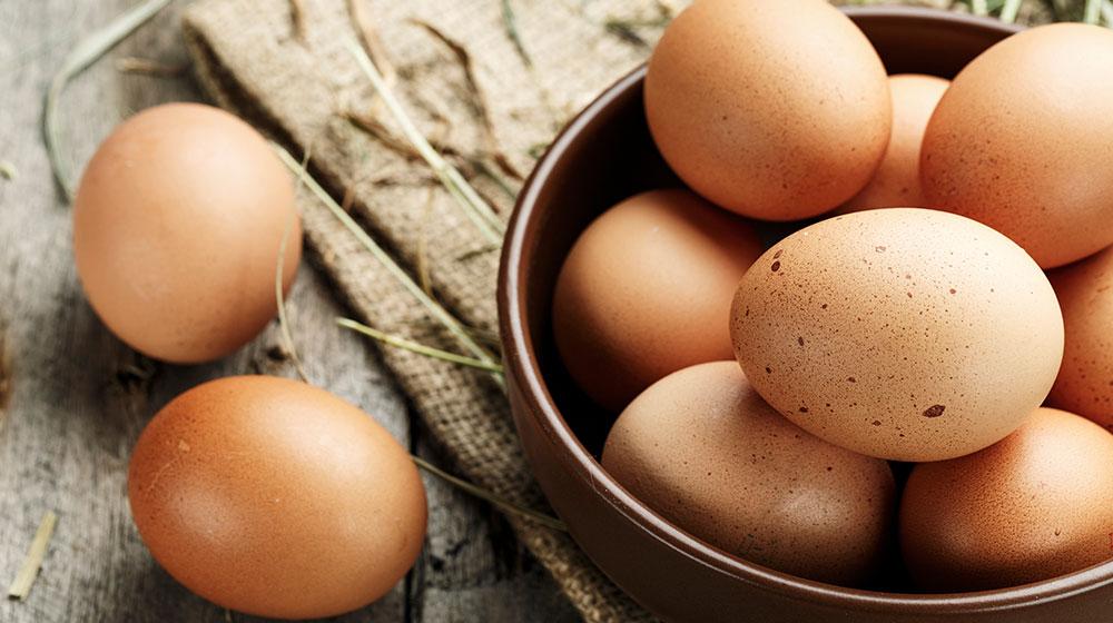 comer huevo