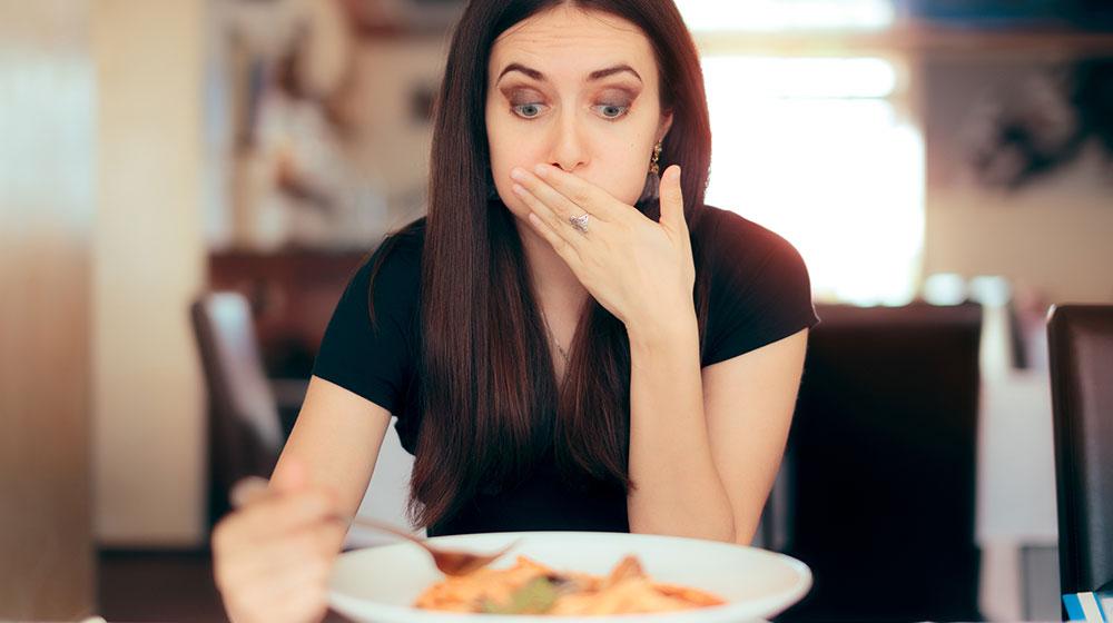 Cómo quitarle lo salado a la comida